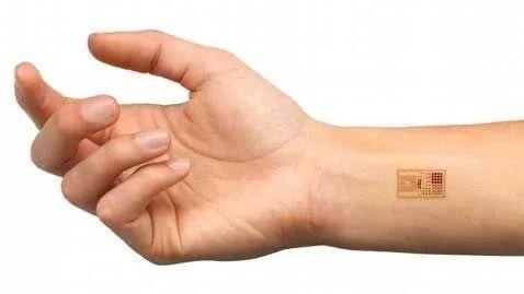 """钥匙信用卡可以扔了?瑞典数万人植入芯片""""刷手"""""""