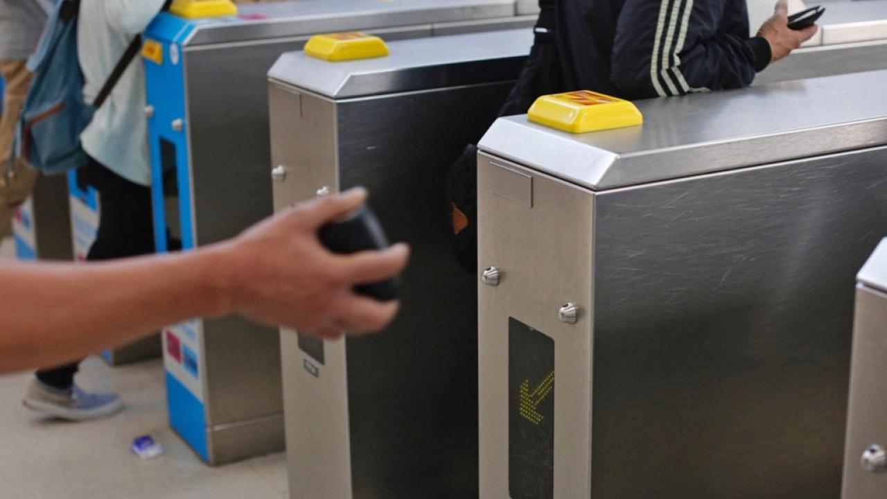 港铁招标3亿元换闸机 接纳二维码、非接触式信用卡