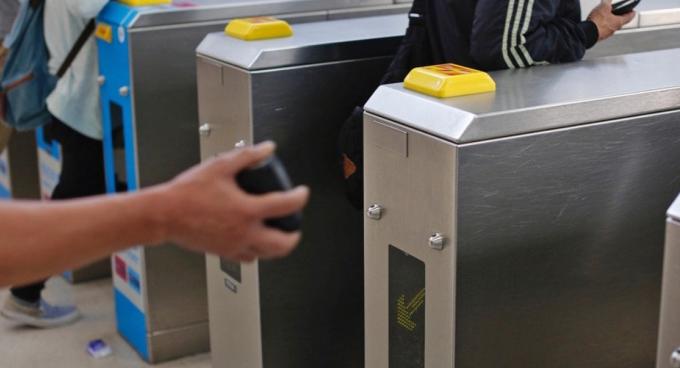 张耀堂预料,使用NFC技术(如八达通卡、Apple Pay等)的支付工具在香港仍占有很大优势。(资料图片)