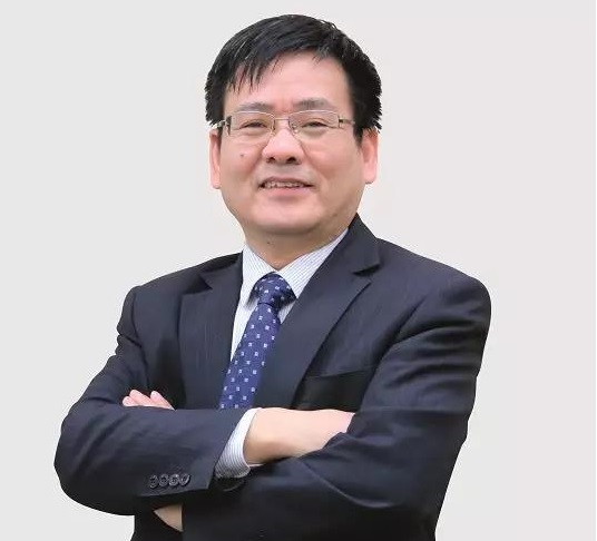 江苏银行零售业务部总经理 梅振坤